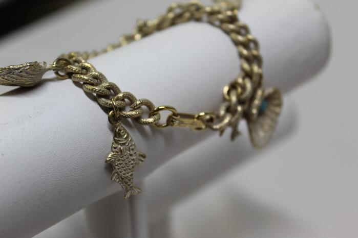 Vintage Napier Goldtone Seashell Bracelet Oyster Shells Clam Signed Charm Bracelet Gold FREE SHIPPING
