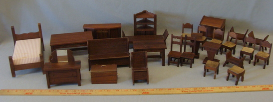 Beautiful SONIA MESSER Wood Dollhouse Furniture 27 piece lot! EXCELLENT!!!!!