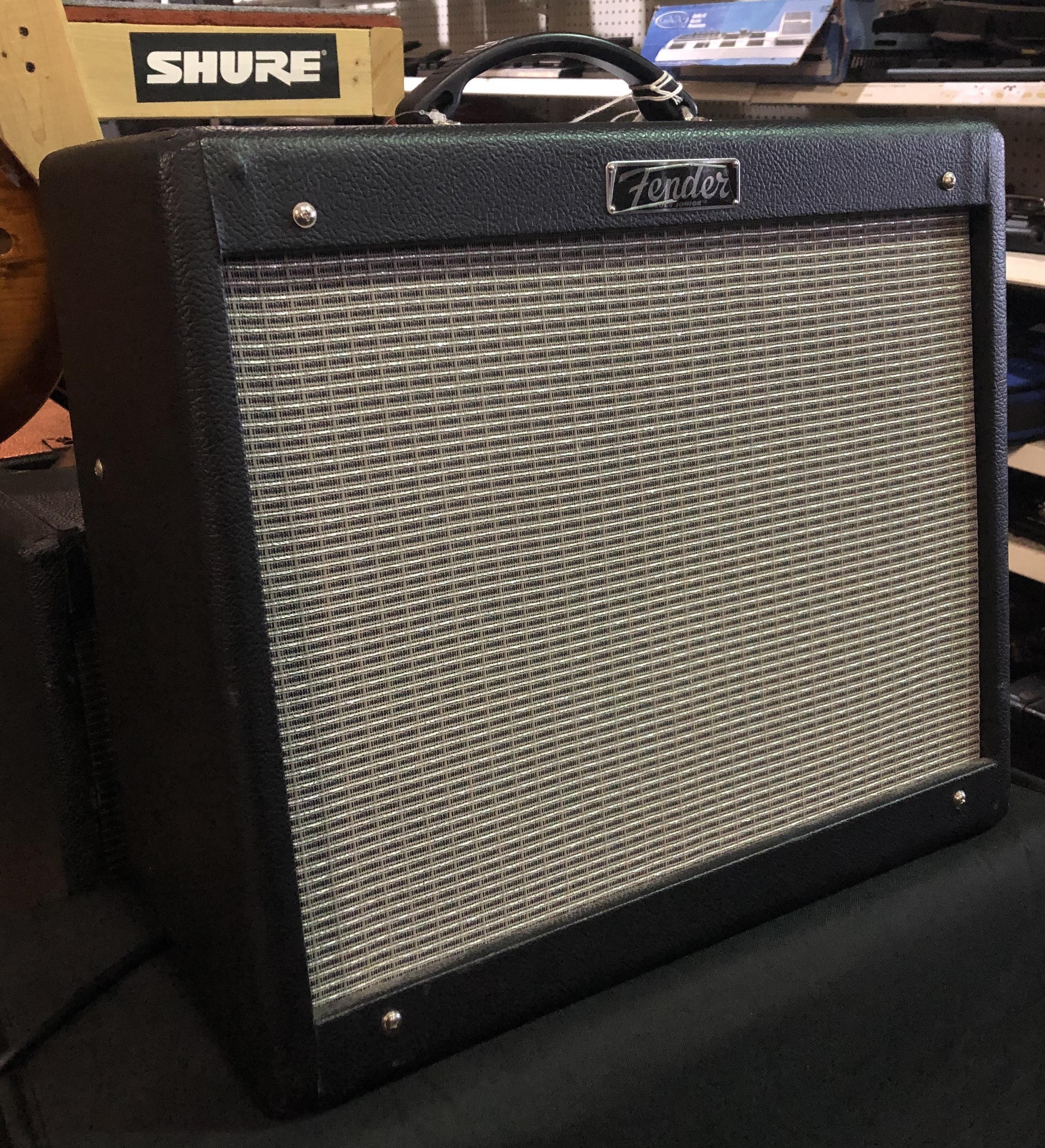 FENDER - Blues Jr. III Guitar Amplifier Combo