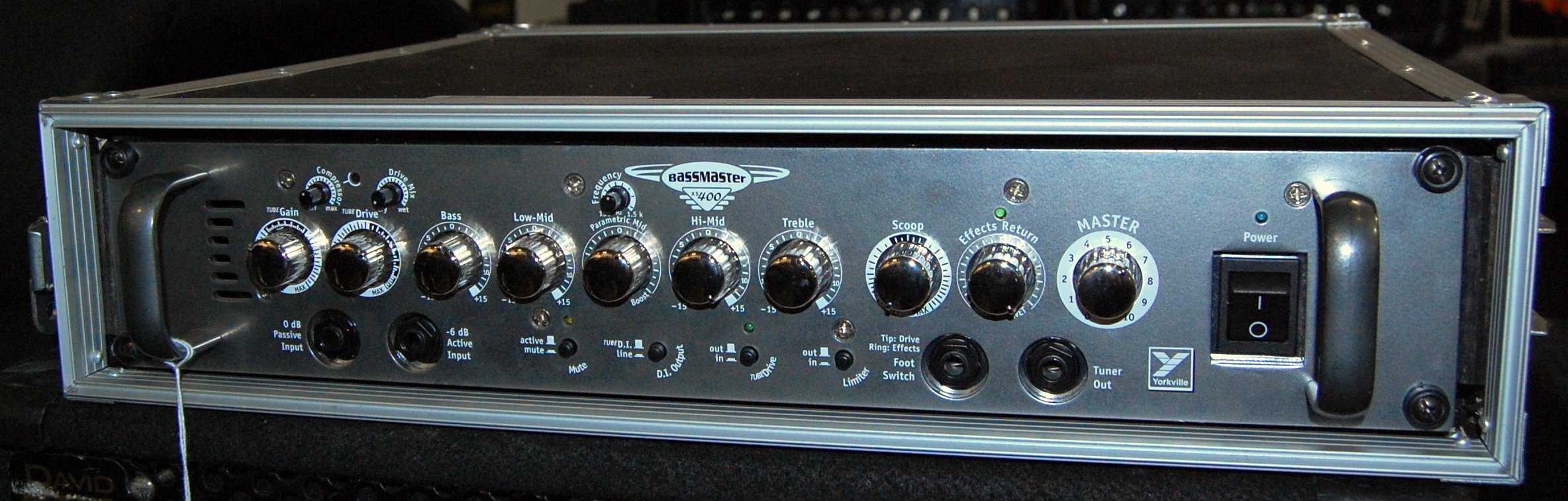 YORKVILLE BASSMASTER XS400 Bass Guitar Amplifier Amp Head Rackmountable