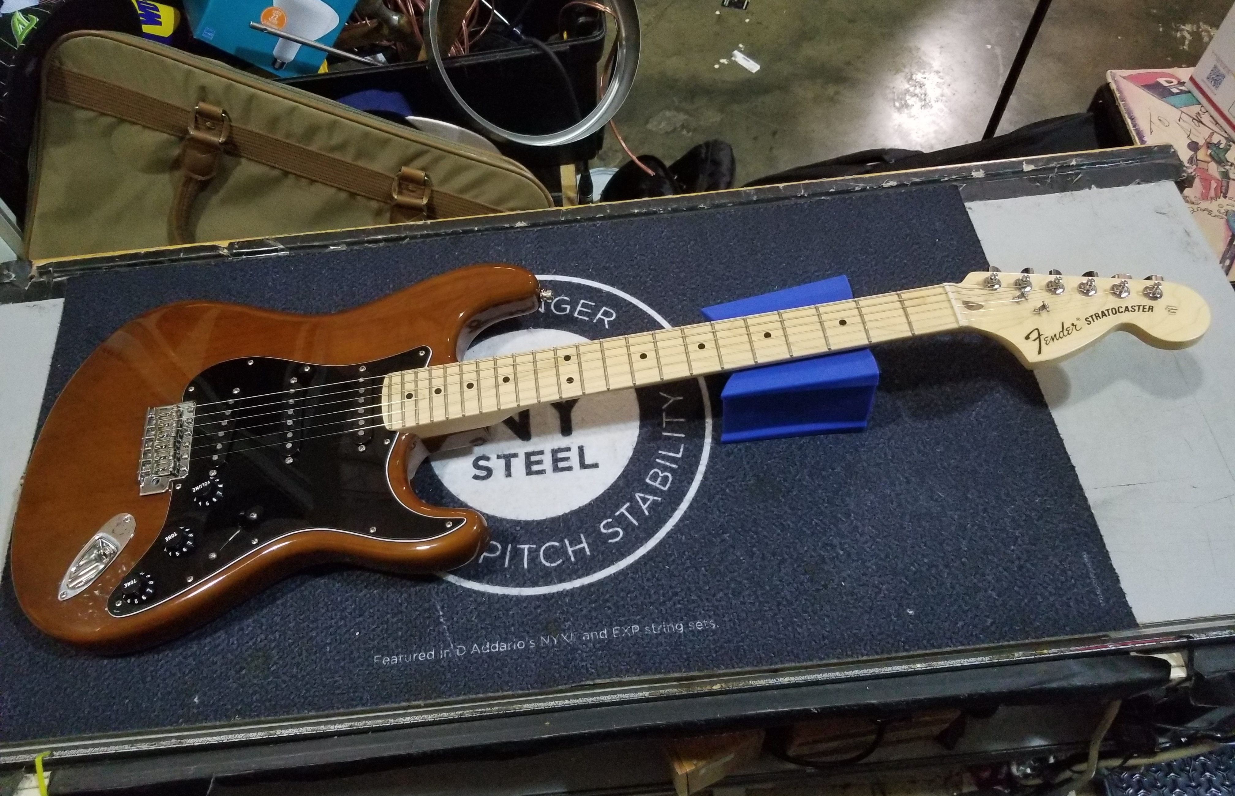 FENDER American Special Stratocaster Electric Guitar Brown w/ Gig-bag