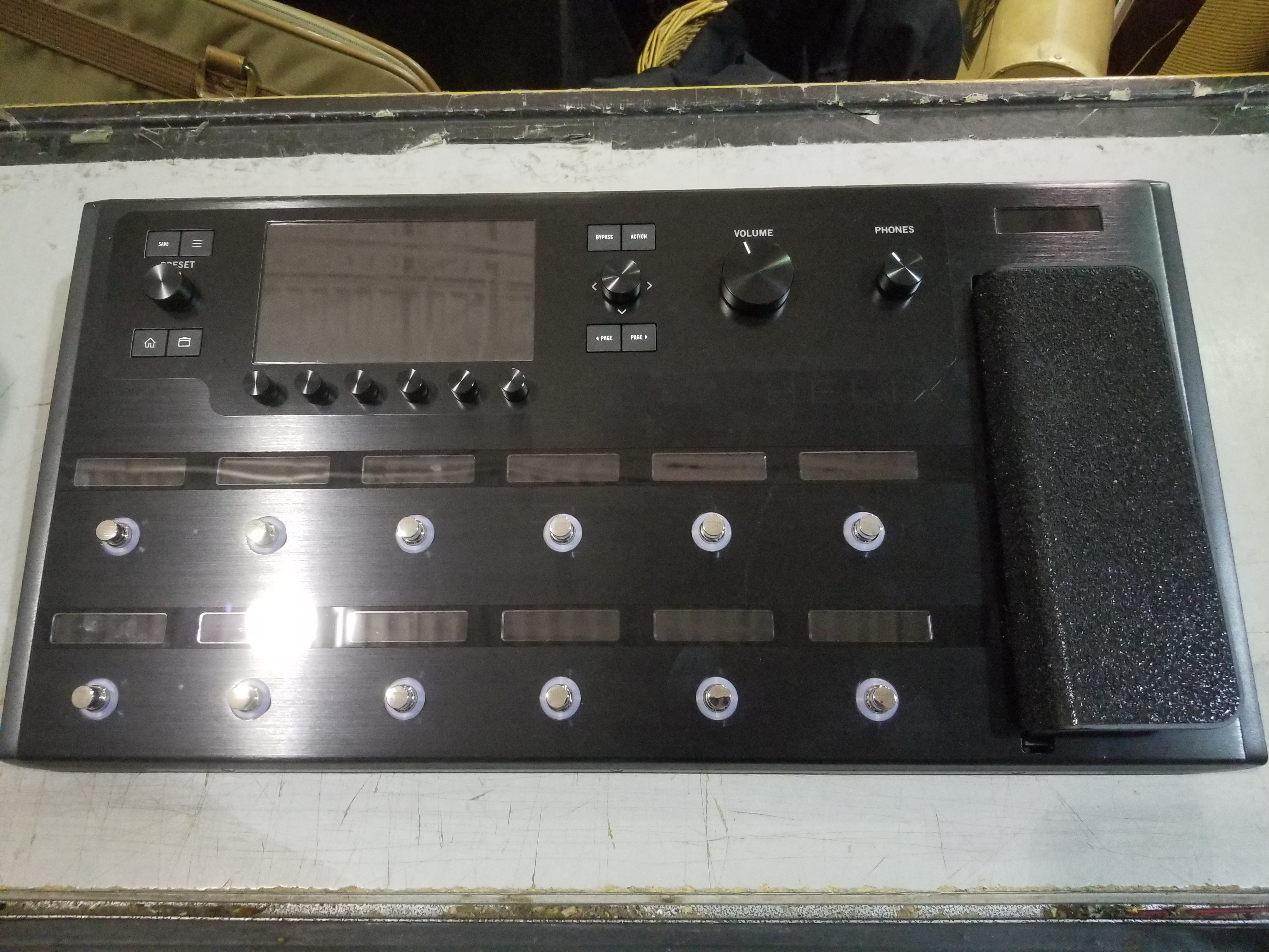 LINE 6 Helix Floor Guitar Multi-Effects Processor w/ Bag