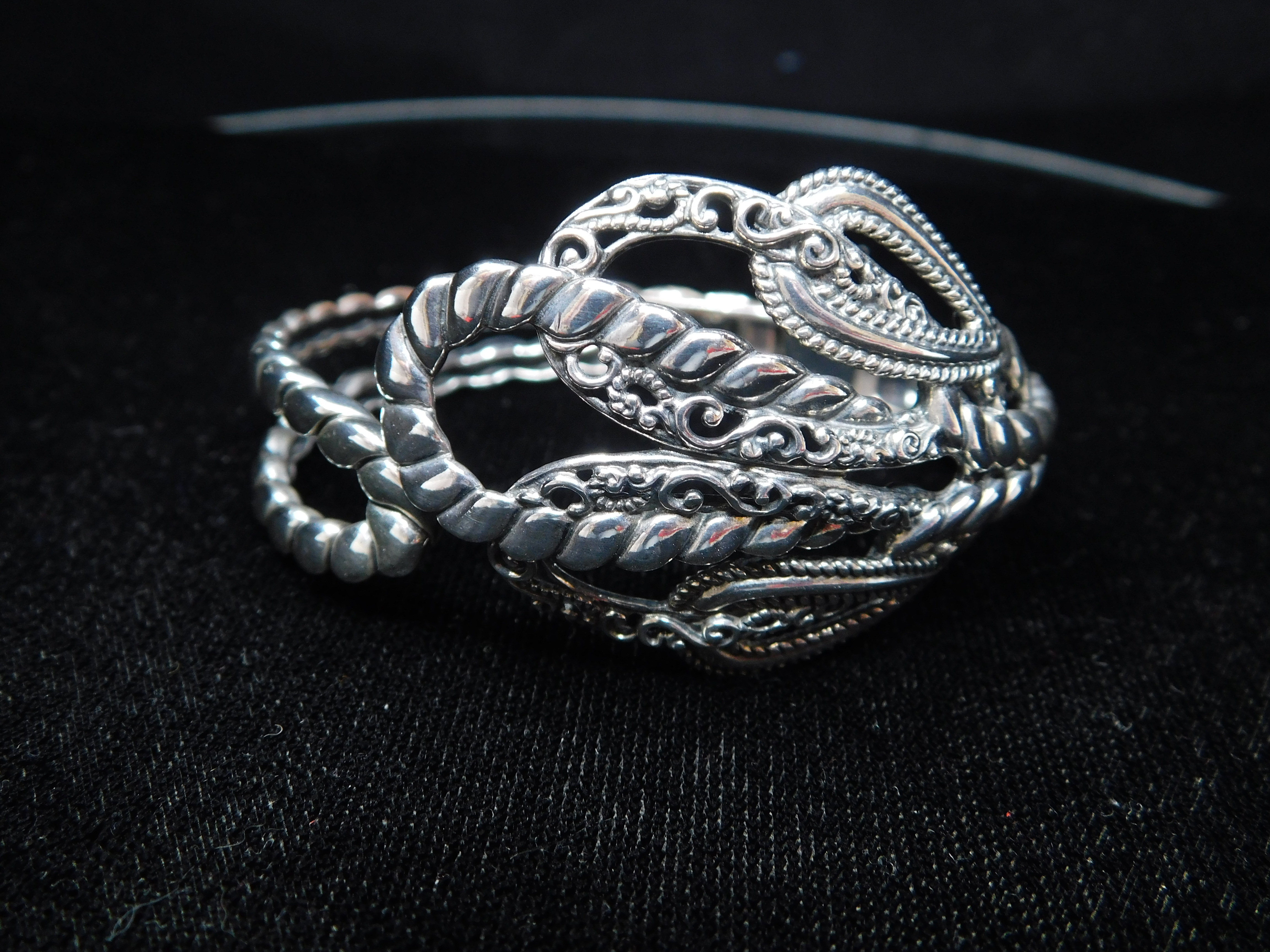CAROLYN POLLACK HINGED STERLING SILVER ROPE SCROLL CUFF BRACELET