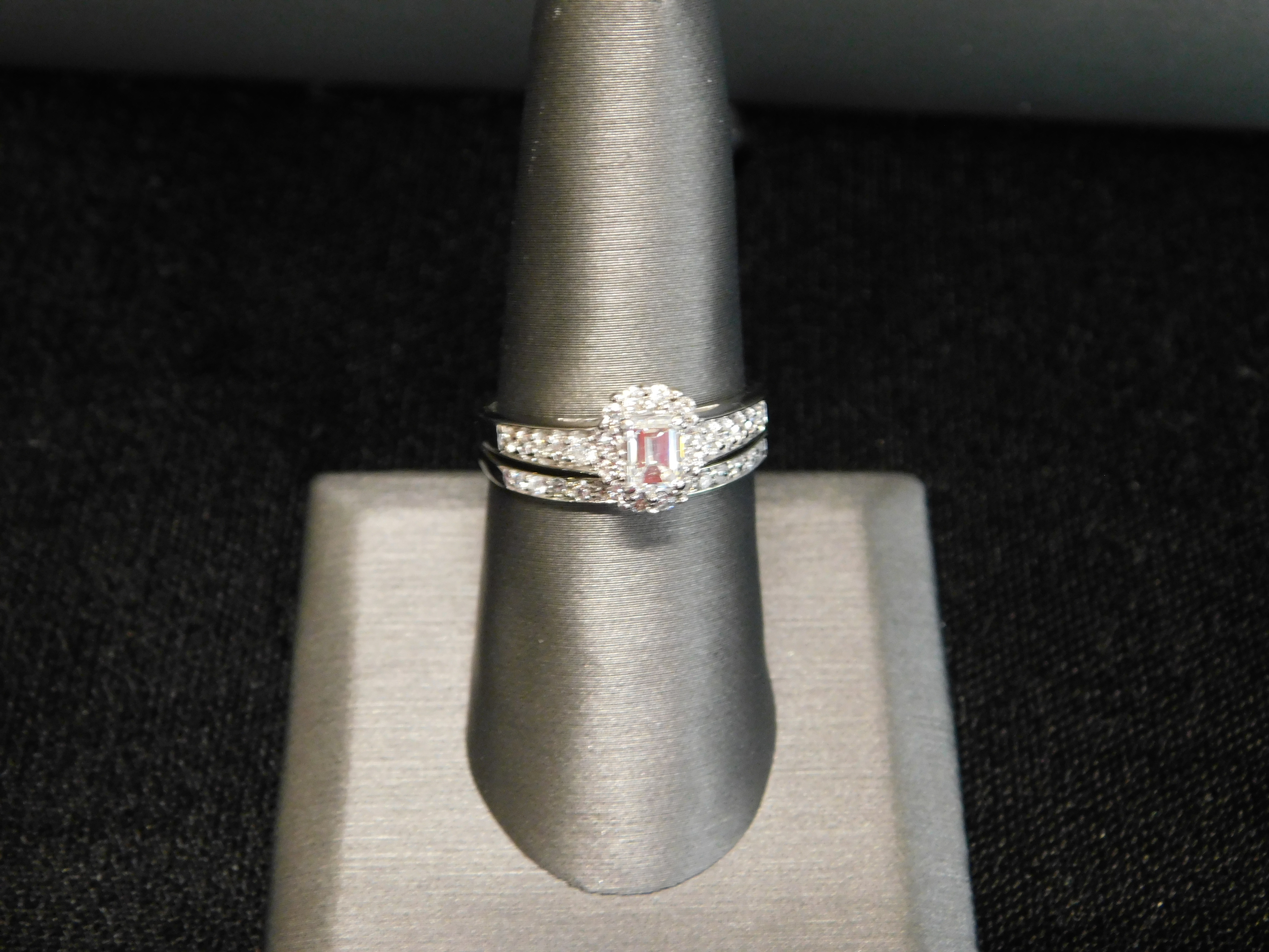 EMERALD CUT DIAMOND WEDDING SET