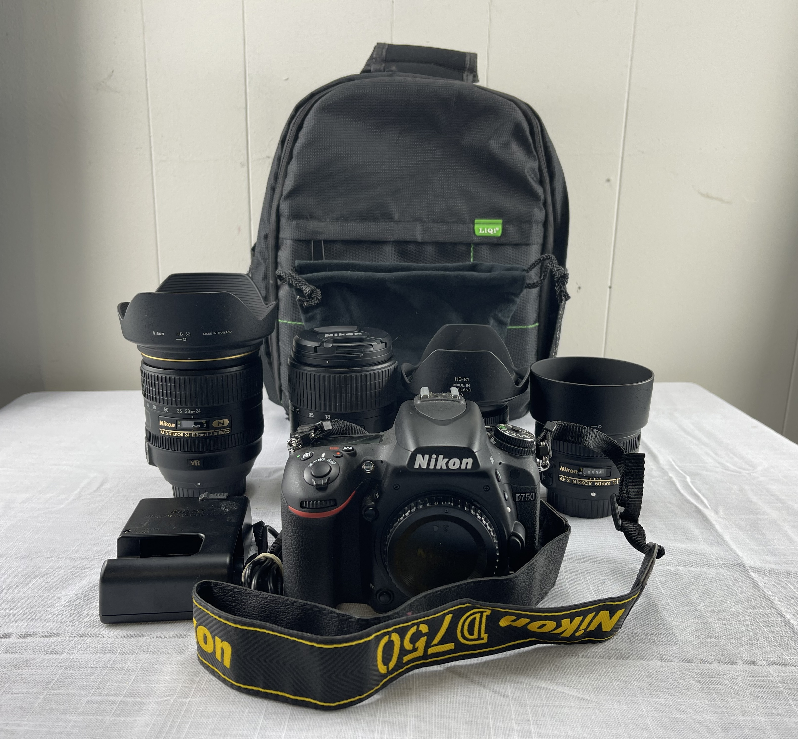 Nikon D750 24.3 MP DSLR Camera Kit w/4 Nikon Lenses - Very Low Shutter Count