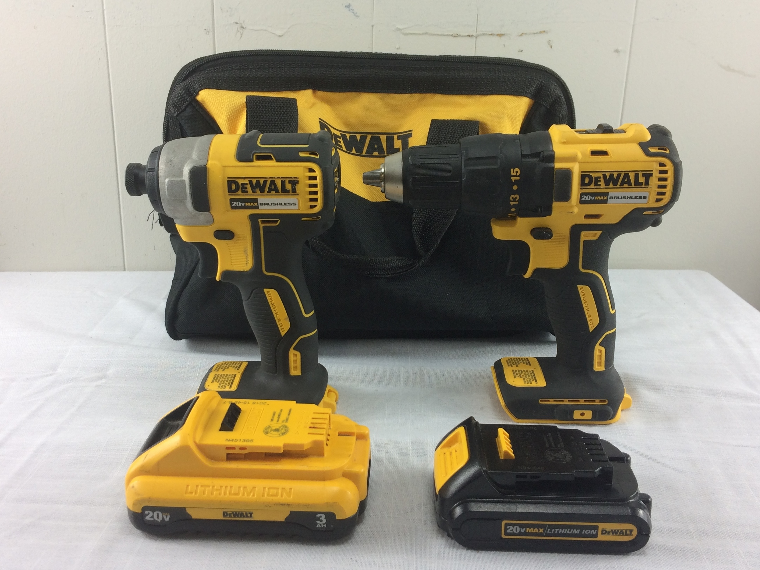 Dewalt DCD777 Drill Driver and DCF787 Impact Driver - 2 Batteries - No Charger