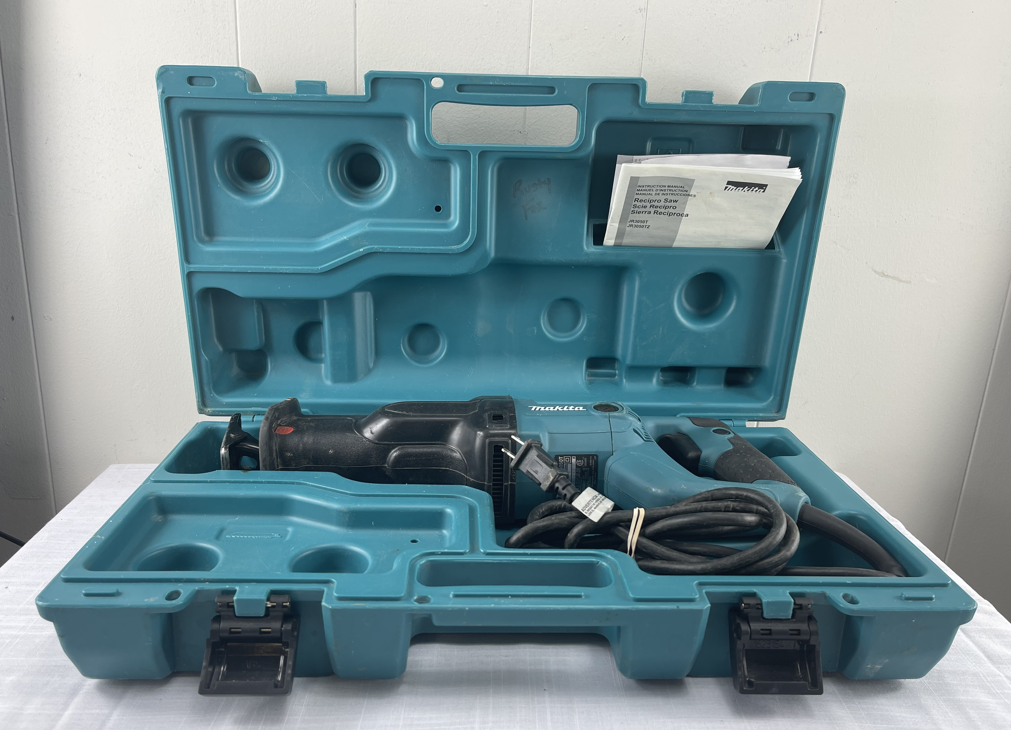 Makita JR3050T Corded Variable Speed Reciprocating Saw w/Case and Manual