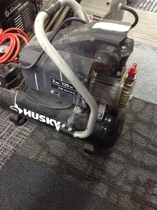 HUSKY BS1003 AIR COMPRESSOR