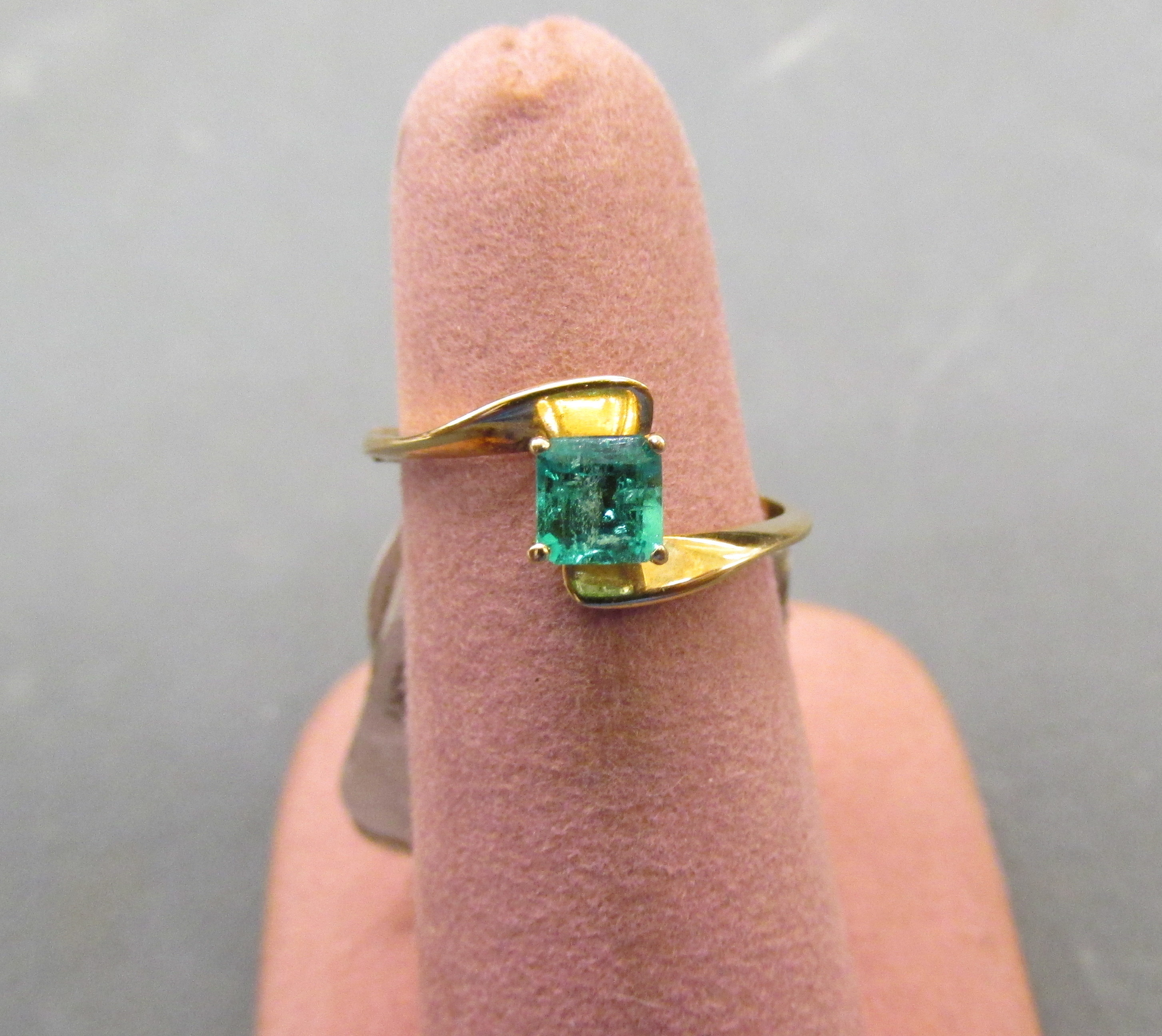 Princess-Cut 0.22 Carat Emerald Ring Set in 18kt Yellow Gold - Size 5 1/2