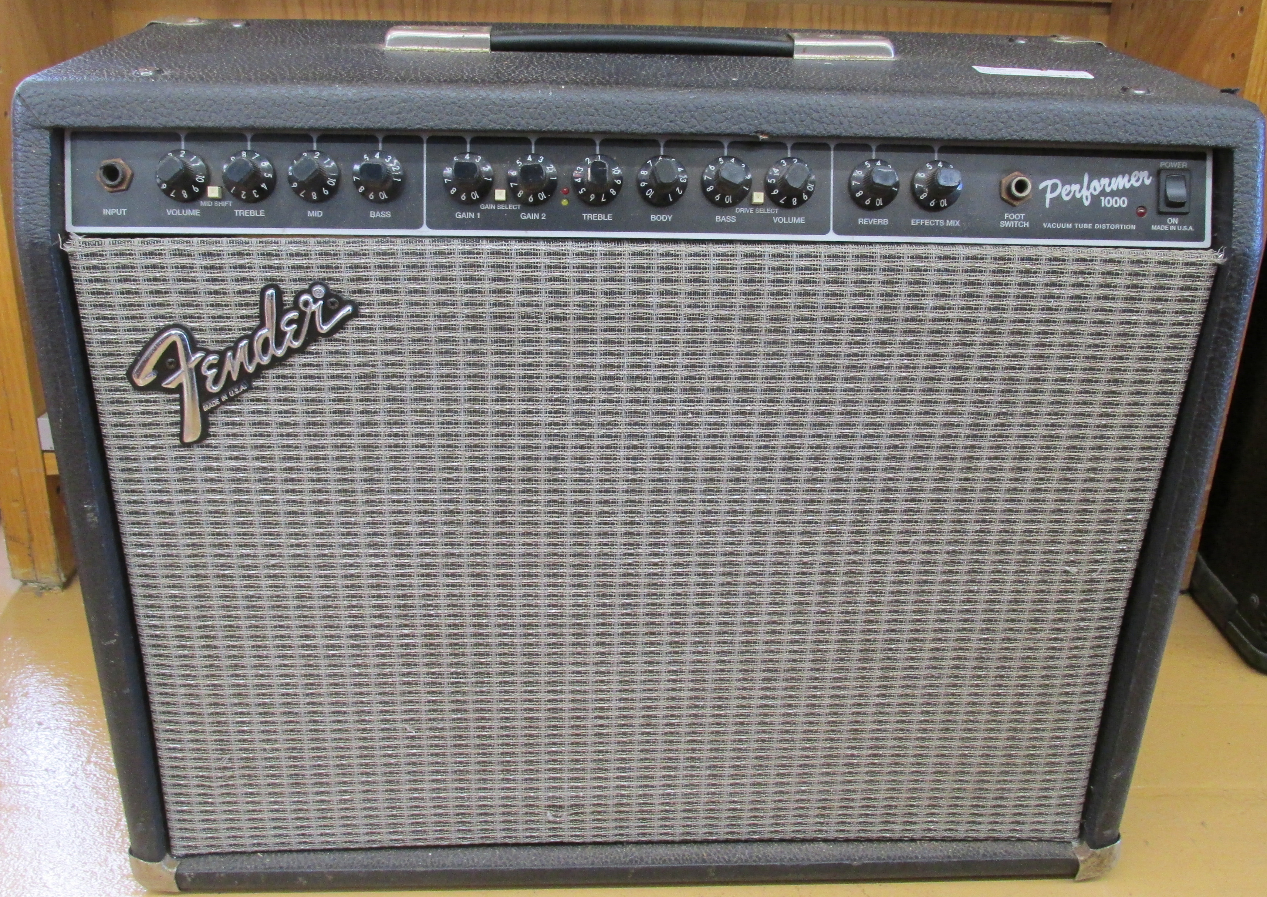 Fender Performer 1000 Amplifier  -  **Local Pick Up ONLY**