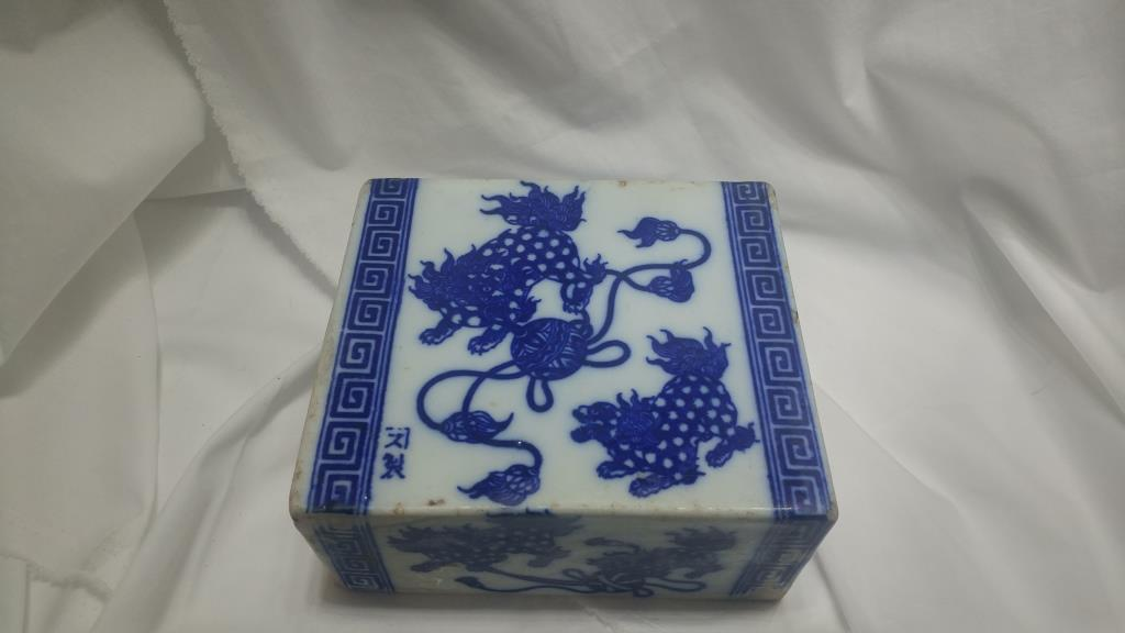 Blue and White Lion Design Chinese Ceramic Pillow