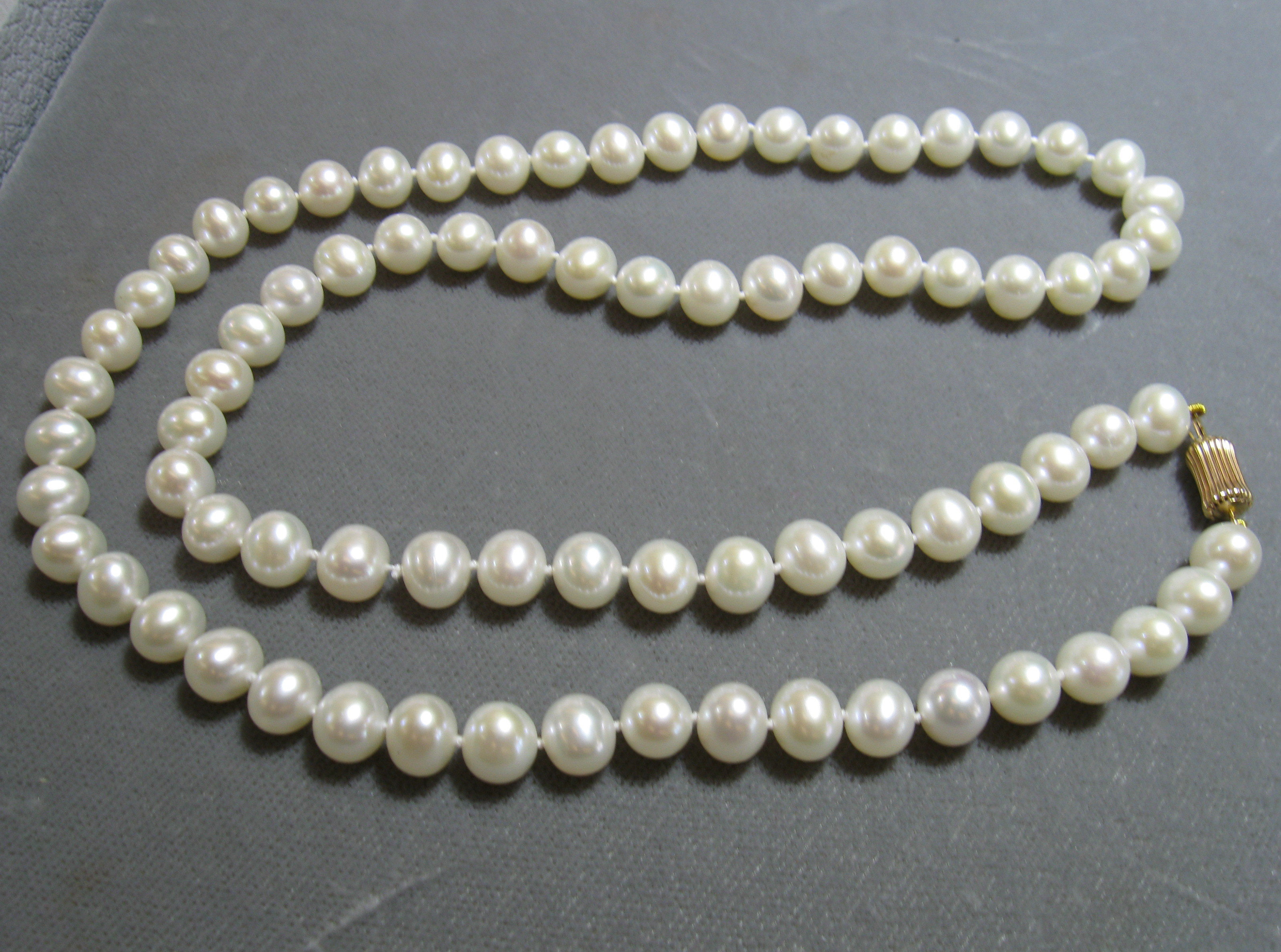 8 mm Freshwater Pearl Strand 24