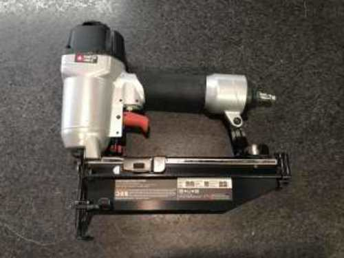 PORTER-CABLE AIR NAILER