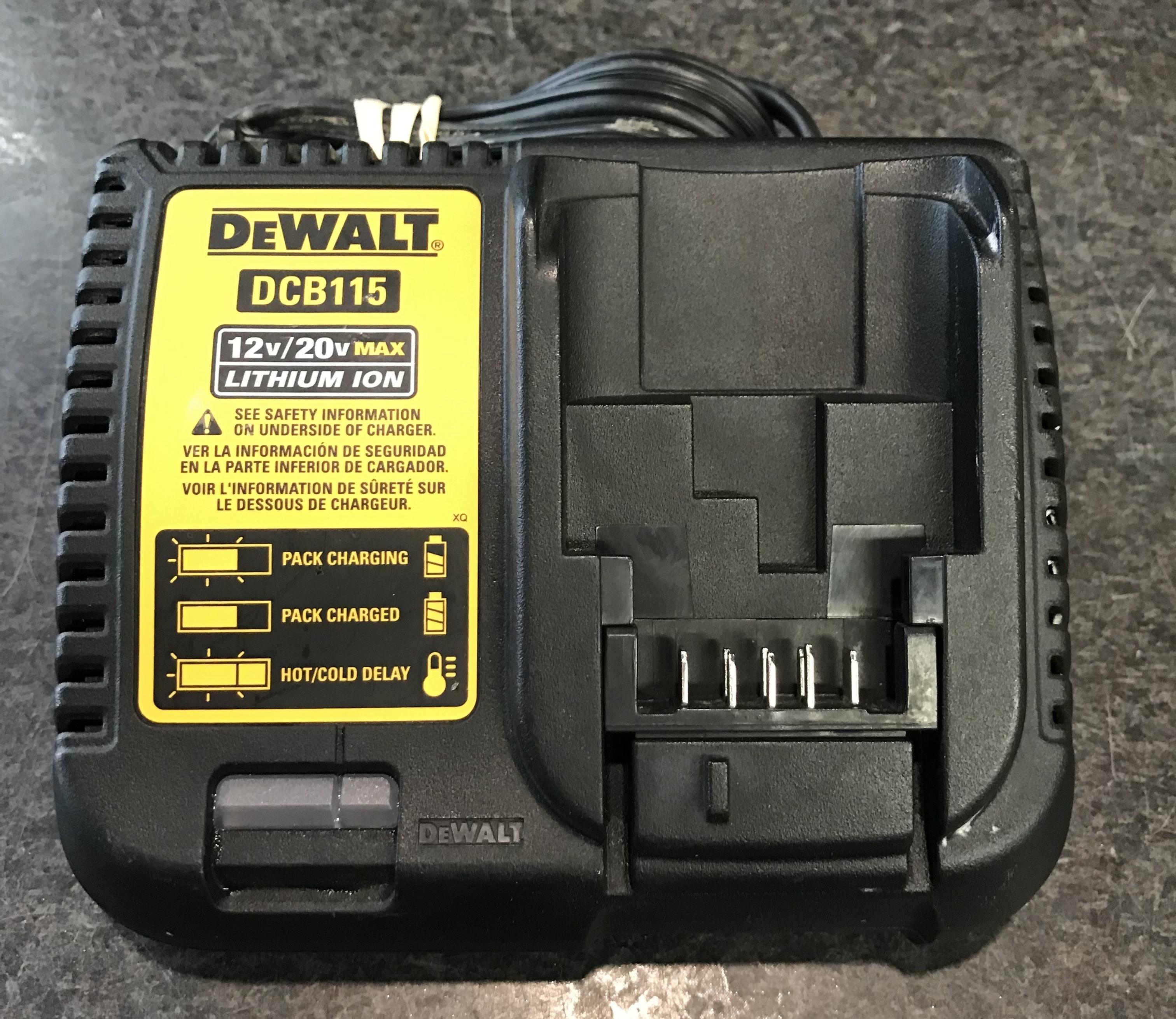 DEWALT - DCB115 - 12V / 20V CHARGER
