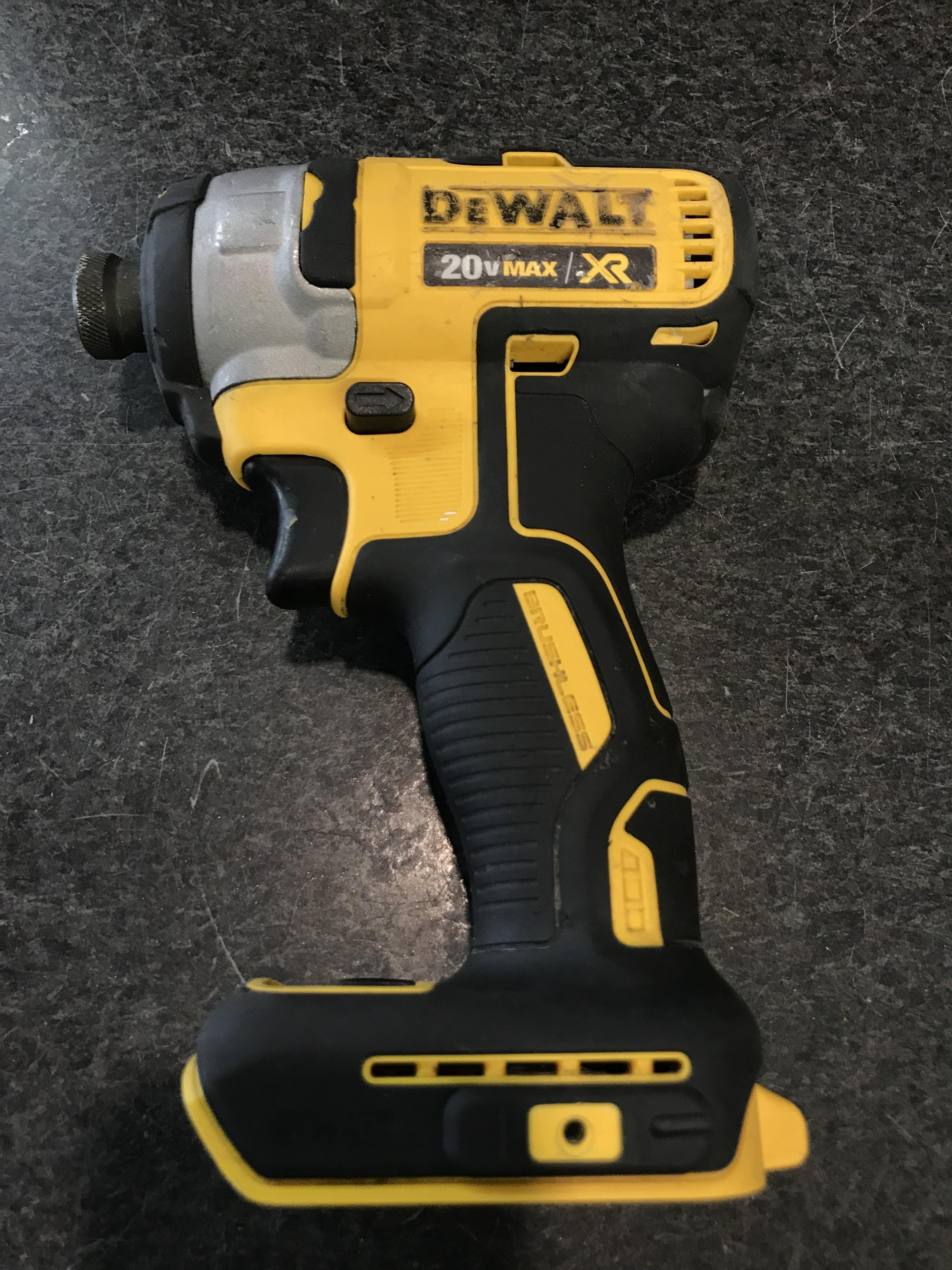 DEWALT - DCF887 - IMPACT DRIVER - 3 SPD