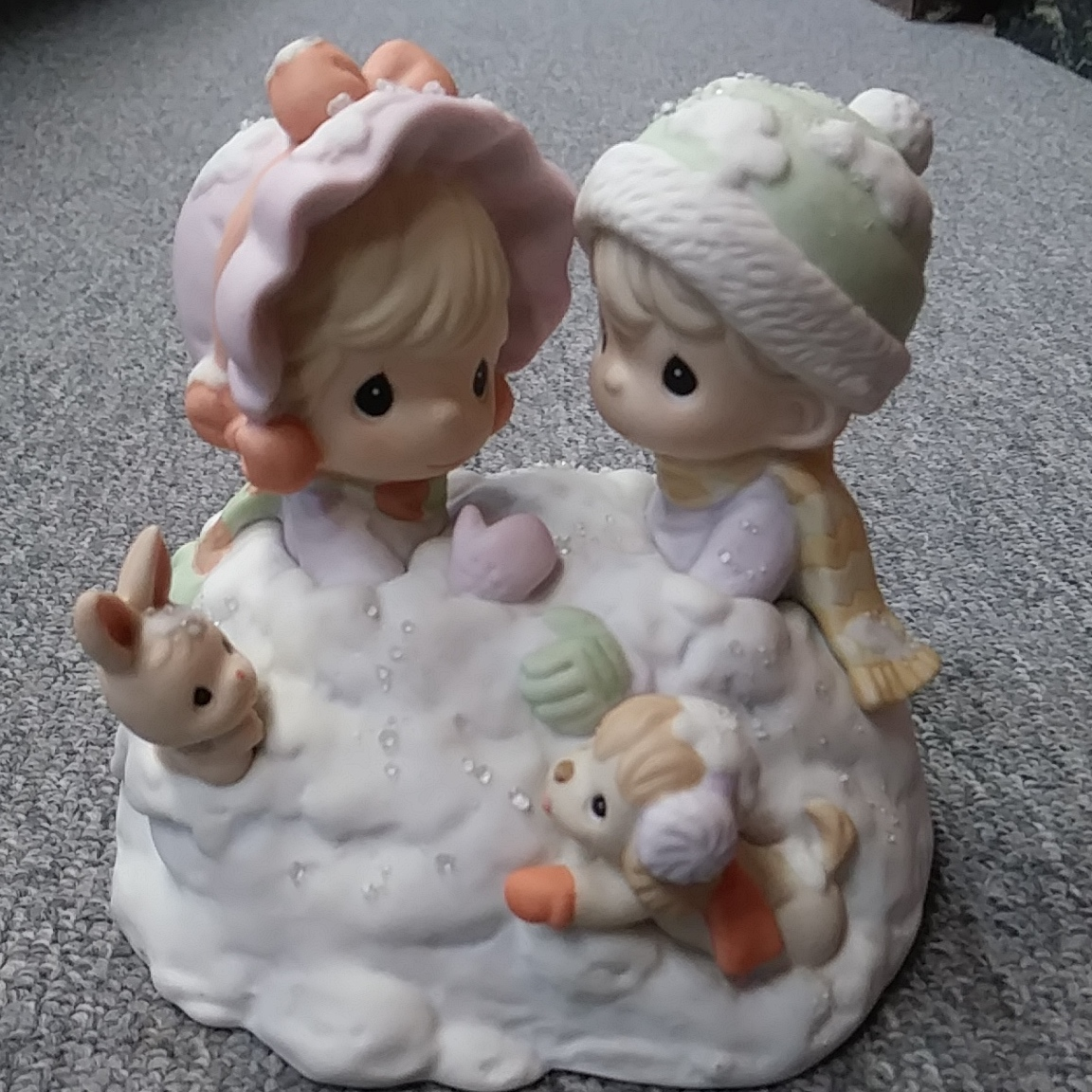PRECIOUS MOMENTS HOLIDAY FIGURINE