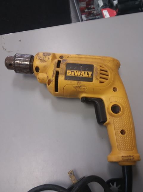 DeWALT 7.0 Amp 3/8 in. 2800 RPM Variable Speed Drill w/ KEYCHUCK