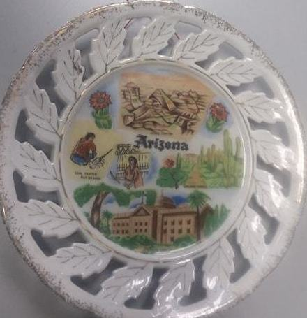COLLECTIBLE ARIZONA SOUVENIR PLATE