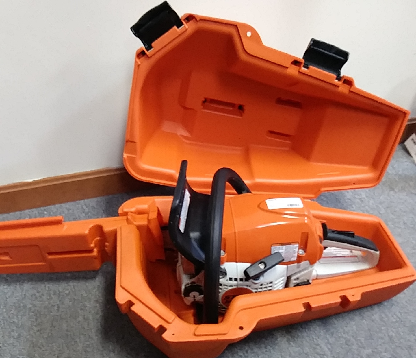 STIHL 251MS CHAIN SAW AND CASE