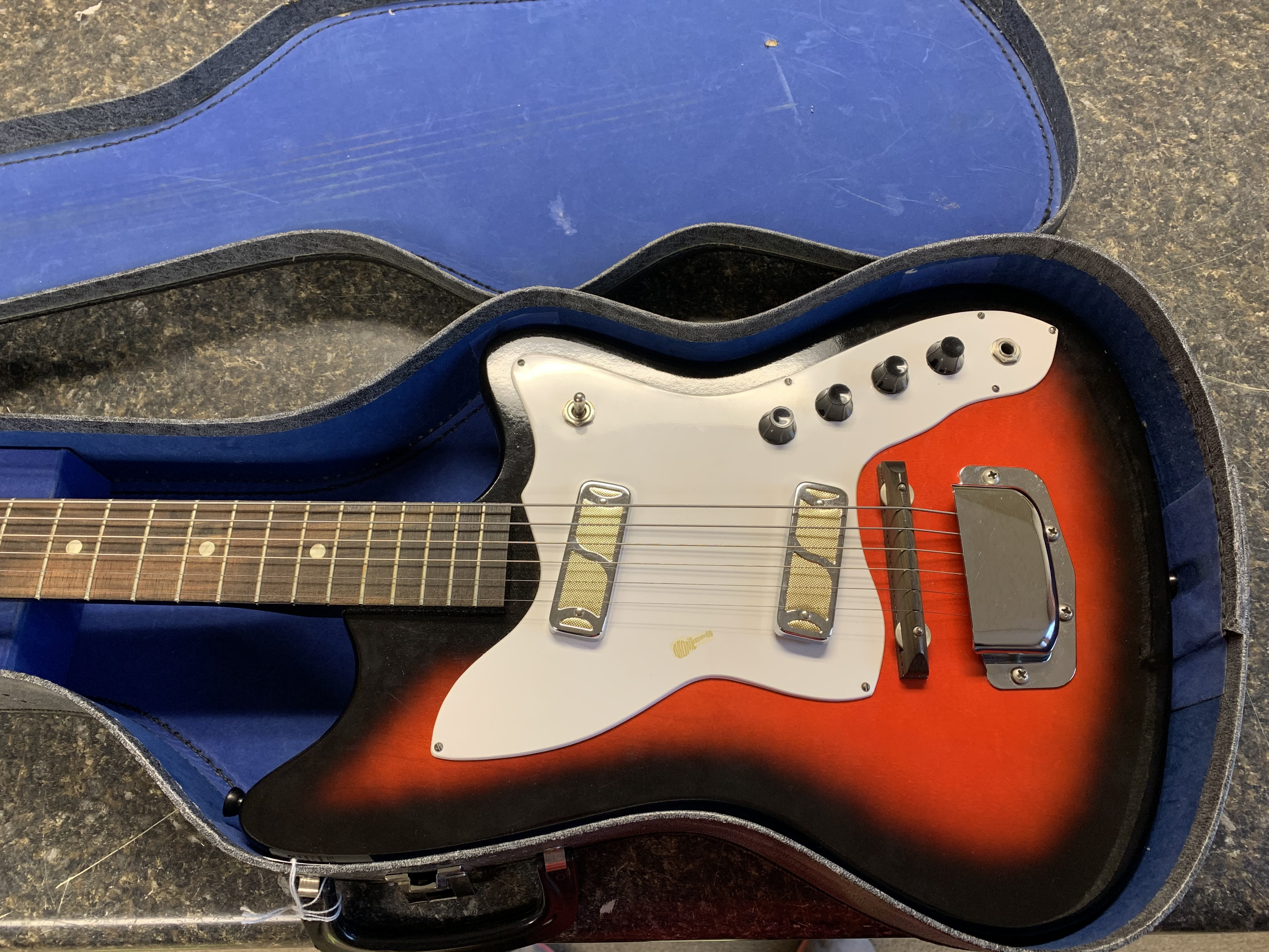 HOLIDAY HARMONY BOBKAT VINTAGE 1960's ELECTRIC GUITAR IN CHIPBOARD CASE