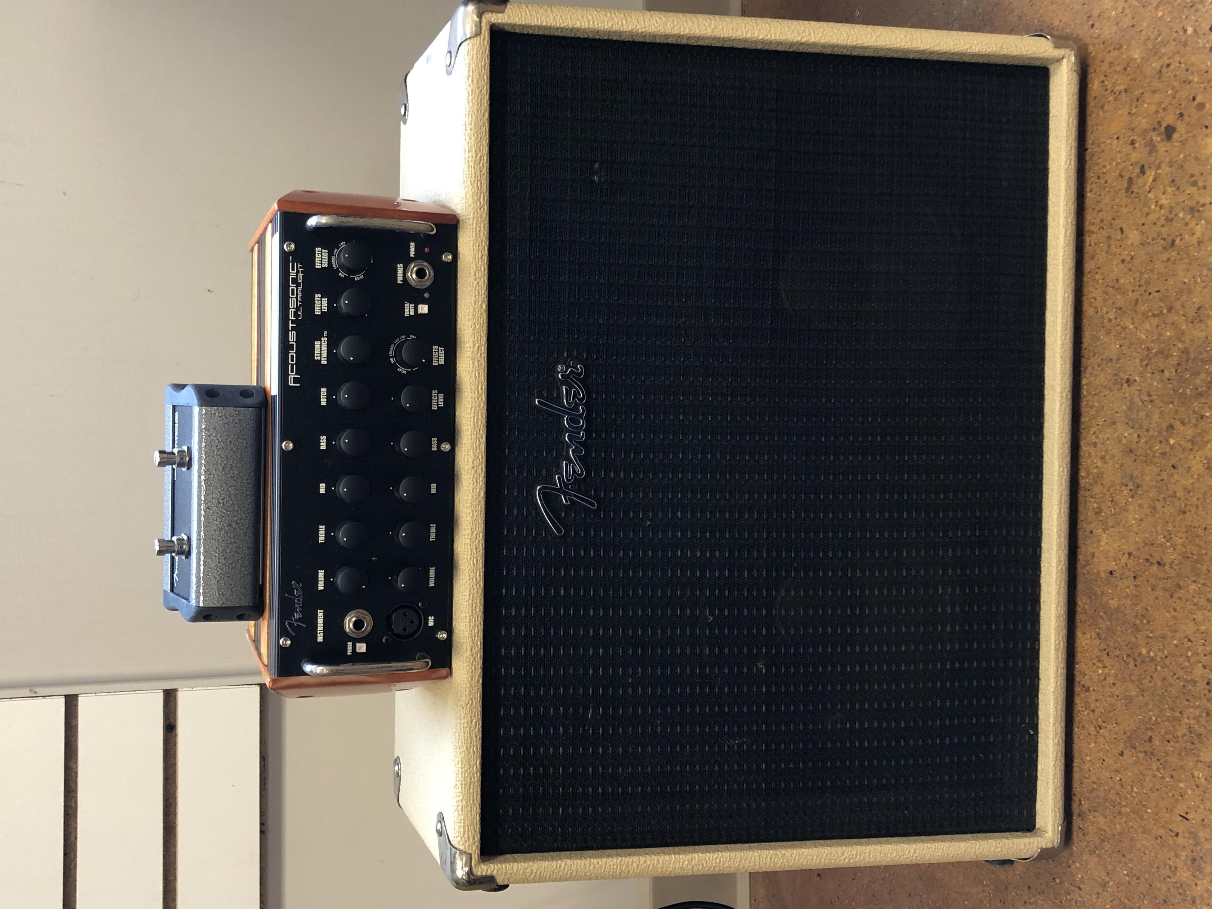 FENDER ACOUSTICASONIC GUITAR AMP