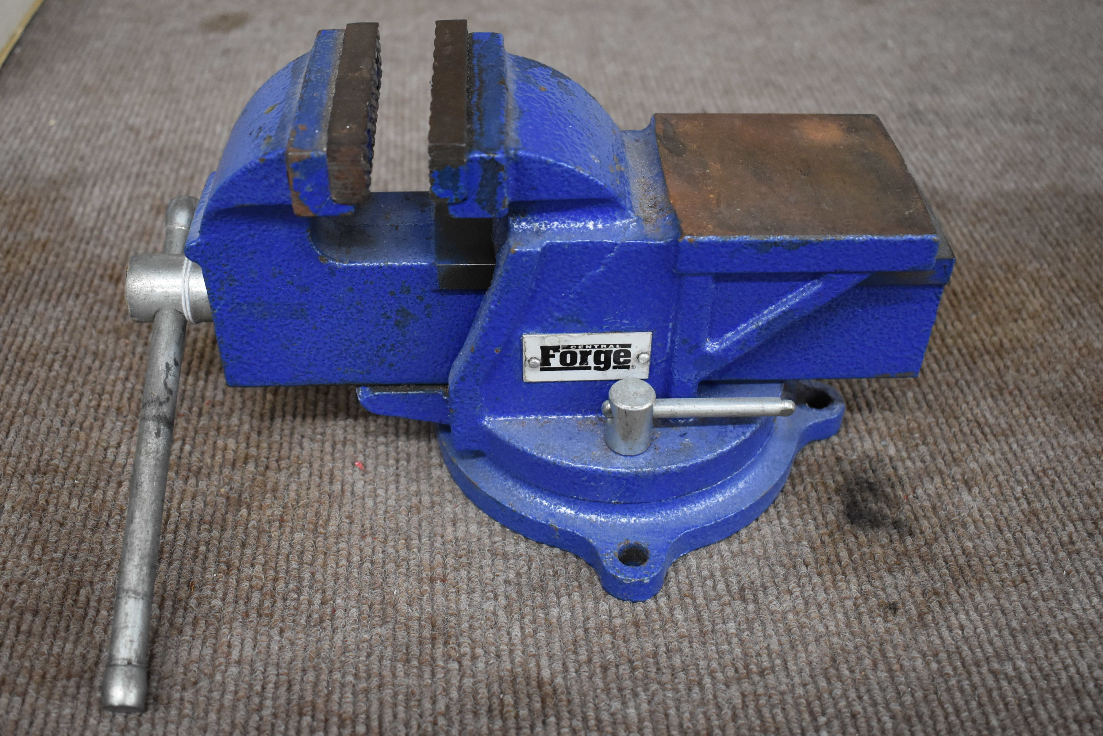 CENTRAL FORGE -  - VICE TOOLS-HAND