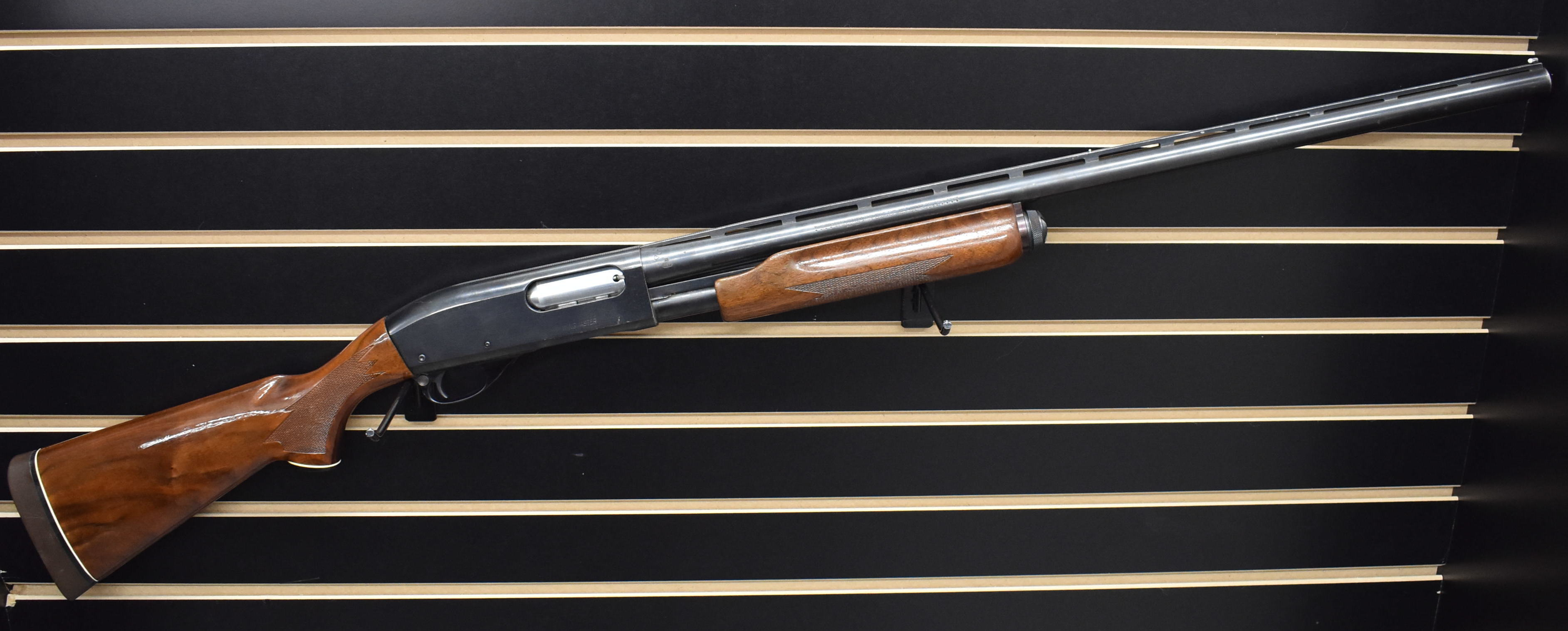REMINGTON ARMS - 870 MAGNUM - SHOTGUN FIREARM