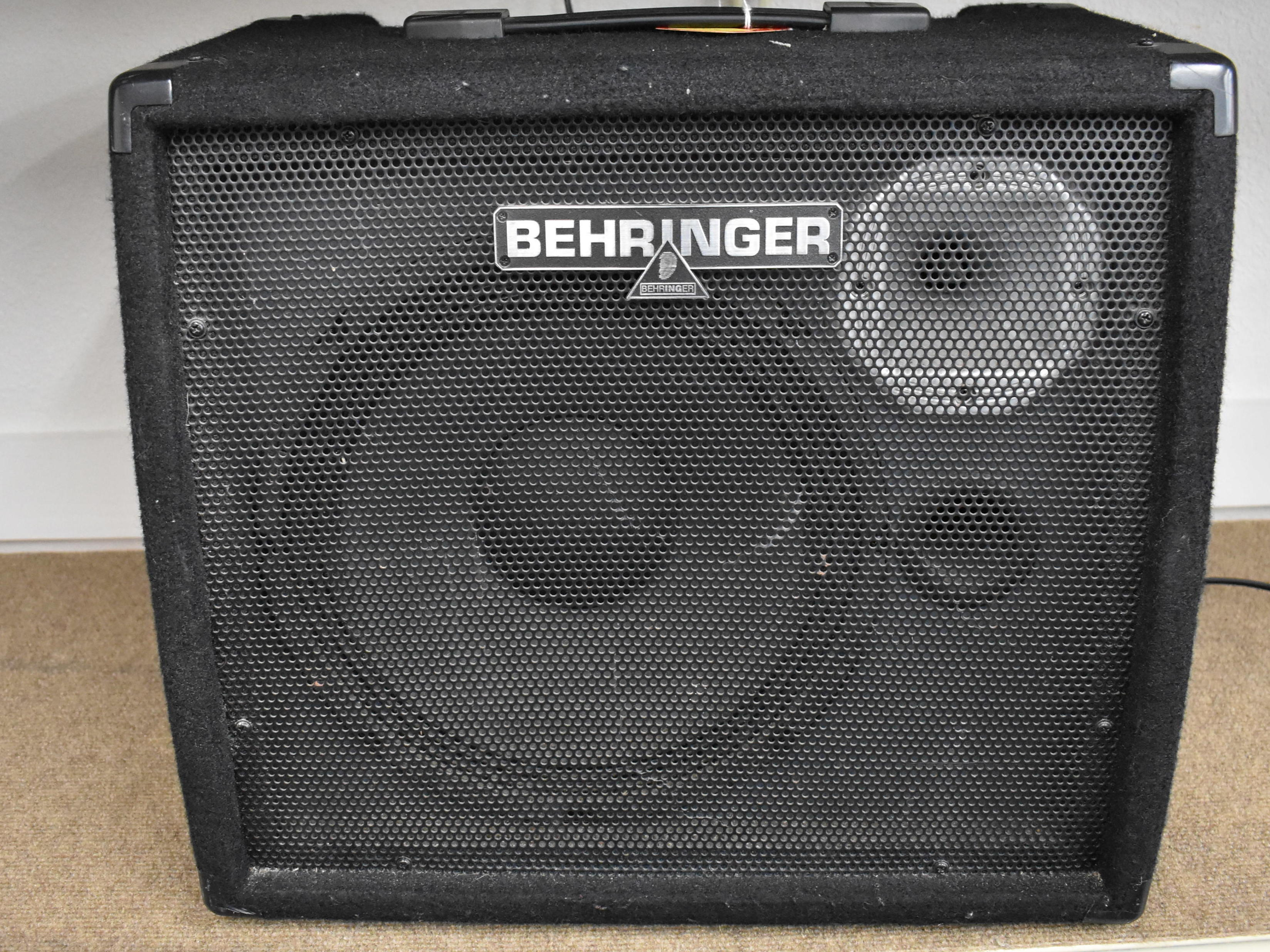 BEHRINGER - ULTRATONE K900FX - AMPLIFIER MUSICAL INSTRUMENTS